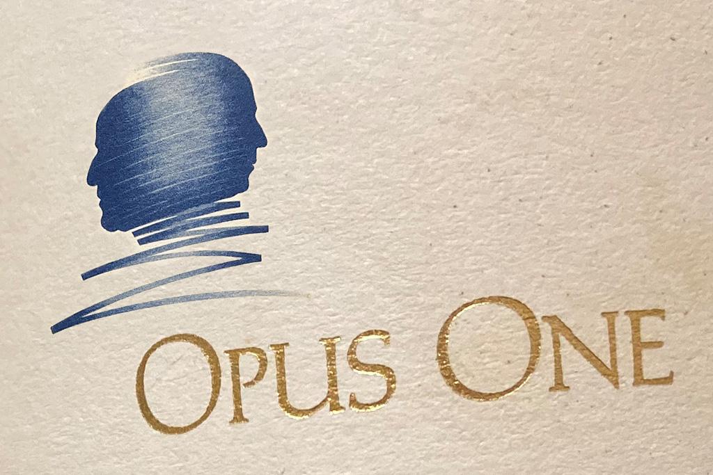 オーパスワンは最高級カリフォルニアワインの代名詞。愛好家の熱狂を呼ぶ魅力とは。