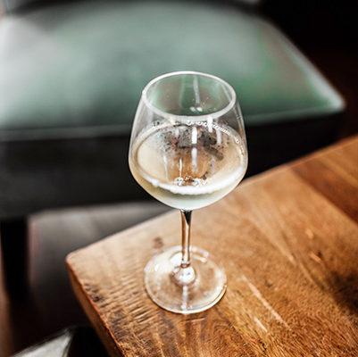 アルザスワイン 多彩なブドウと土壌が生み出す隠れた銘酒